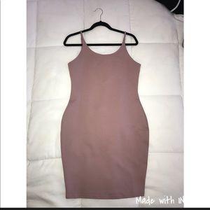 Body-con mauve dress 💕